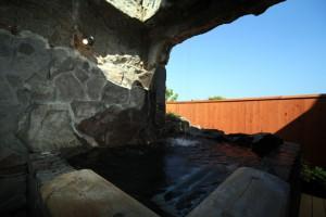 滝の洞窟露天風呂